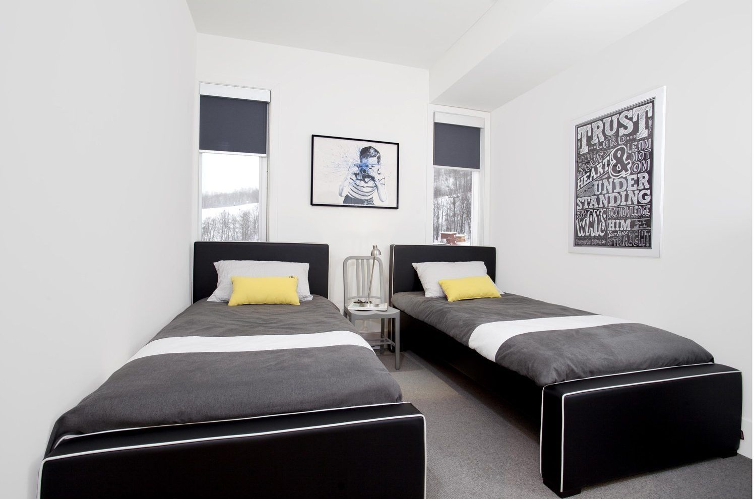 Decorating Ideas For A Modern Guest Room Ylighting Ideas Modern Guest Bedroom Modern Twin Beds Bed Design