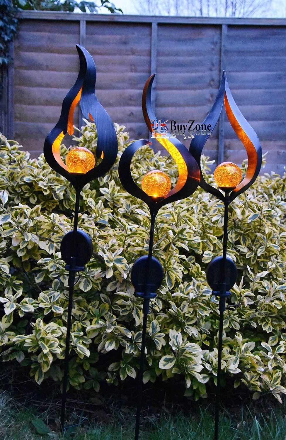 Solar Powered Metal Stake LED Garden Light Outdoor Flame