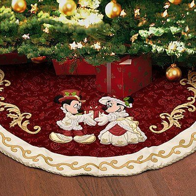 DISNEY WORLD MINNIE And MICKEY VICTORIAN TREE SKIRT HOLIDAY CHRISTMAS