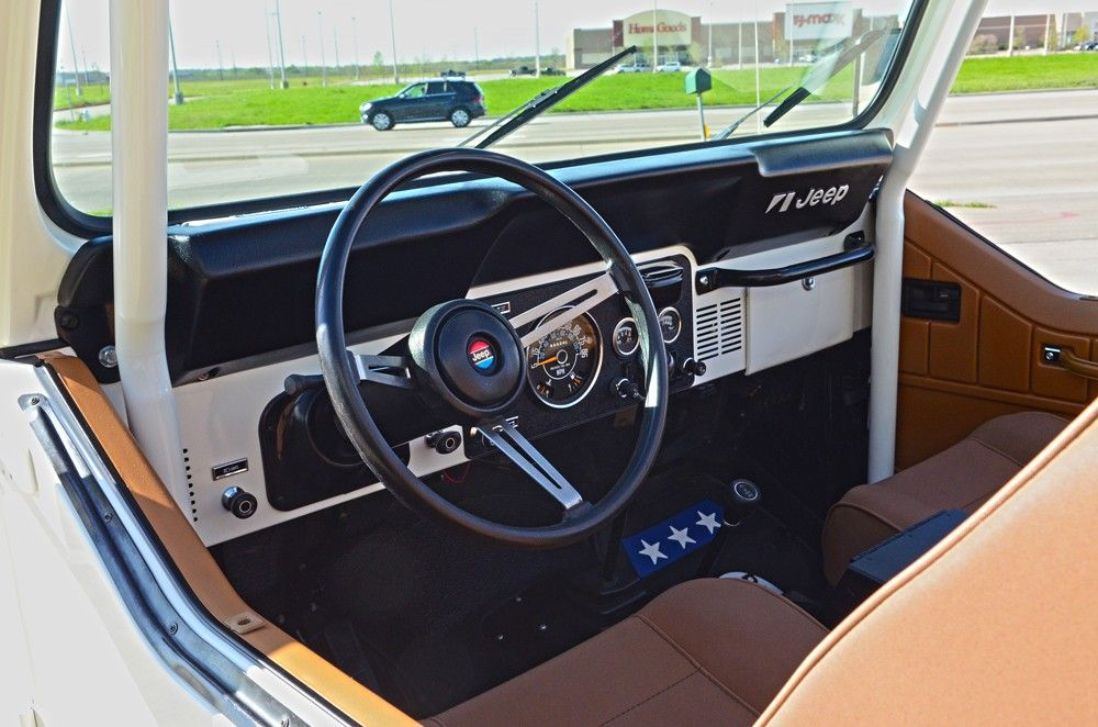 30+ Awesome Custom Car Interior Ideas for Jeep | Custom ...