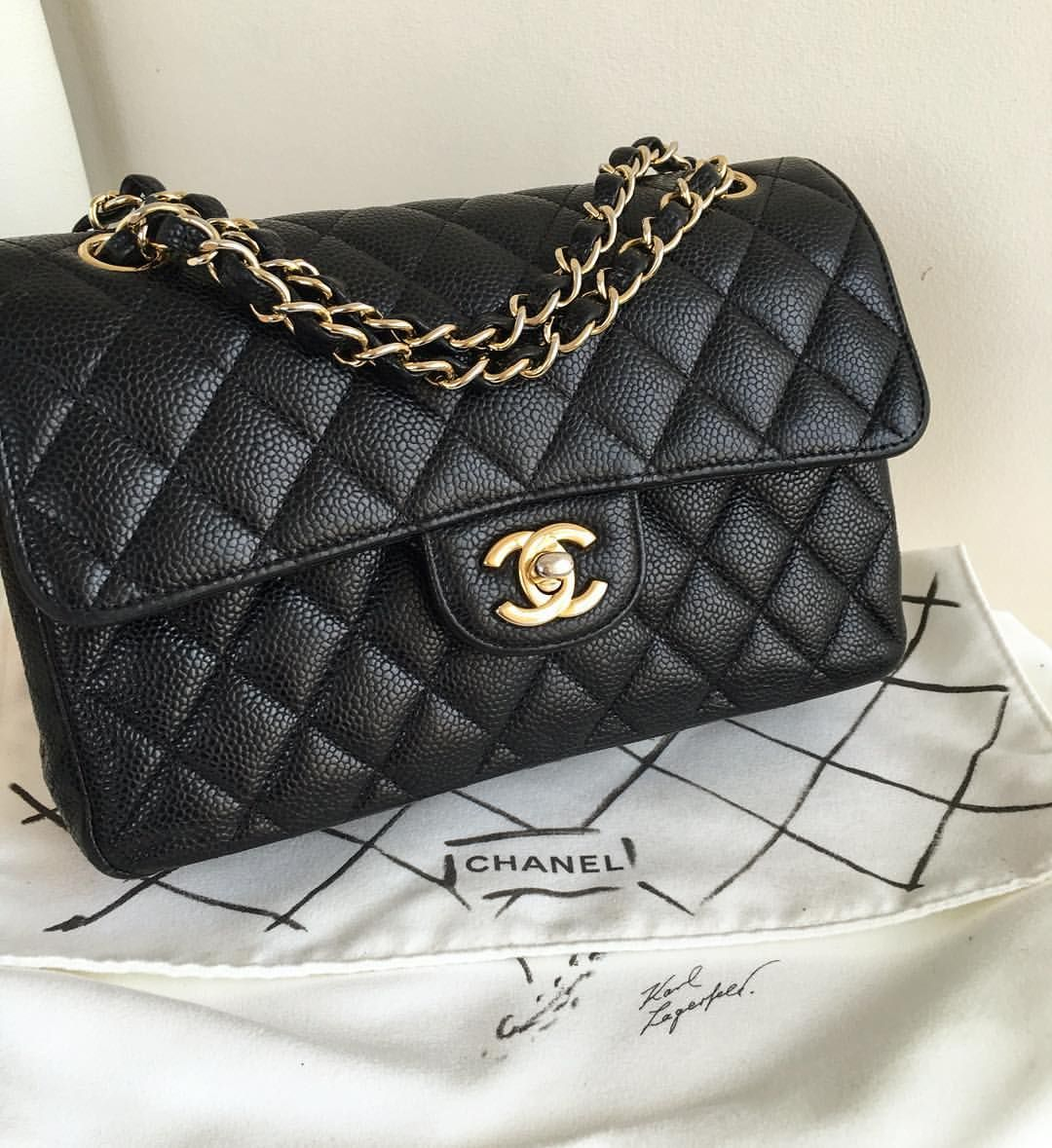 ad610cd79ccede Chanel #chanelclassicflap #2.55 #23cm Chanel Classic Flap, Luxury Handbags,  Classy,