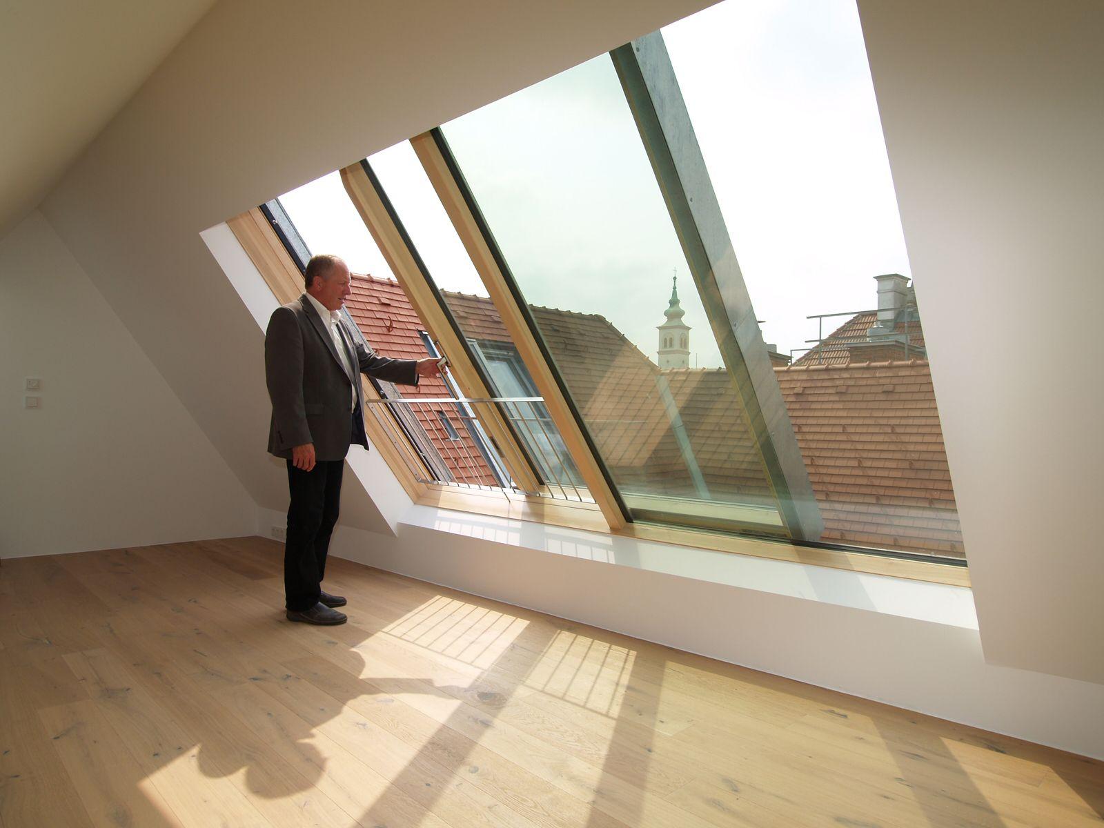 Zweiteilige Dachschiebefenster Solara Perspektiv In Wien Dachflachenfenster Dachschiebefenster Dachschrage Fenster Und Dachgeschoss