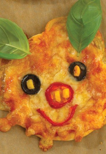 Bär - Recipe: Animal Face Pizzas - Recipes for Sleepovers