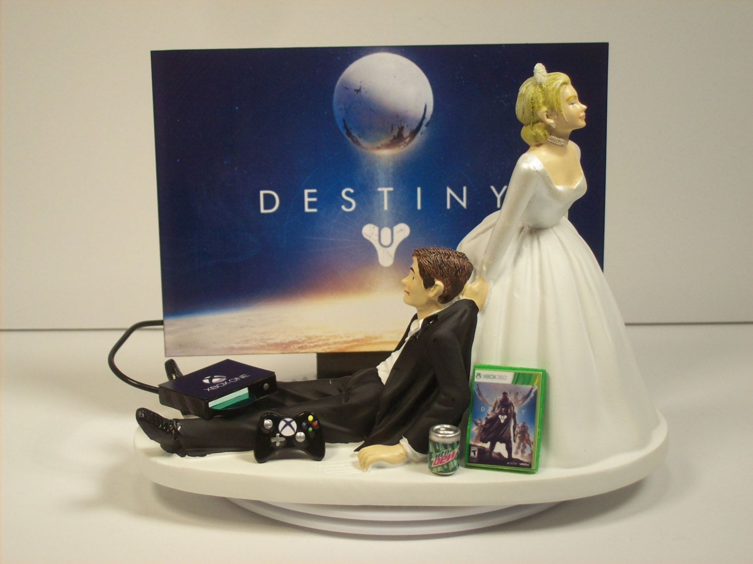 video game junkie x funny gamer wedding cake topper by mikeg1968