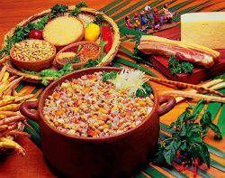 O arroz e o feijão fazem parte do famoso prato chamado Baião de Dois.