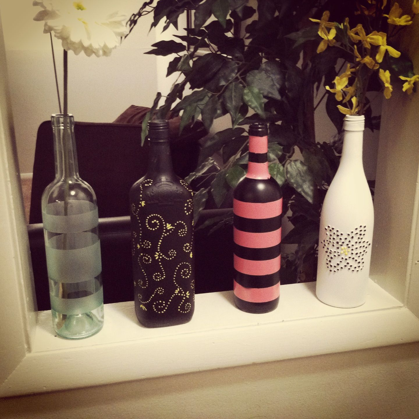 Painted wine bottles painted wine bottles pinterest for Painted wine bottles