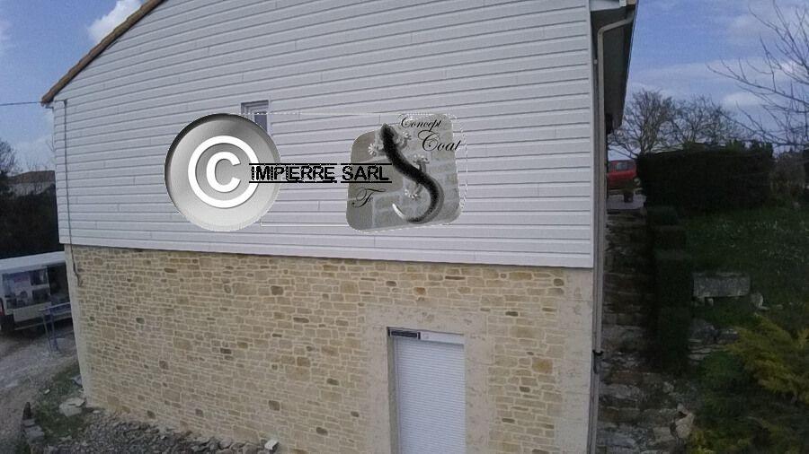 Soubassement De Maison Dans Le 86 Pour Une Finition Pierre De Region Valorisez Vos Facades Et Mursinter Peinture Facade Briquette De Parement Parement Mural
