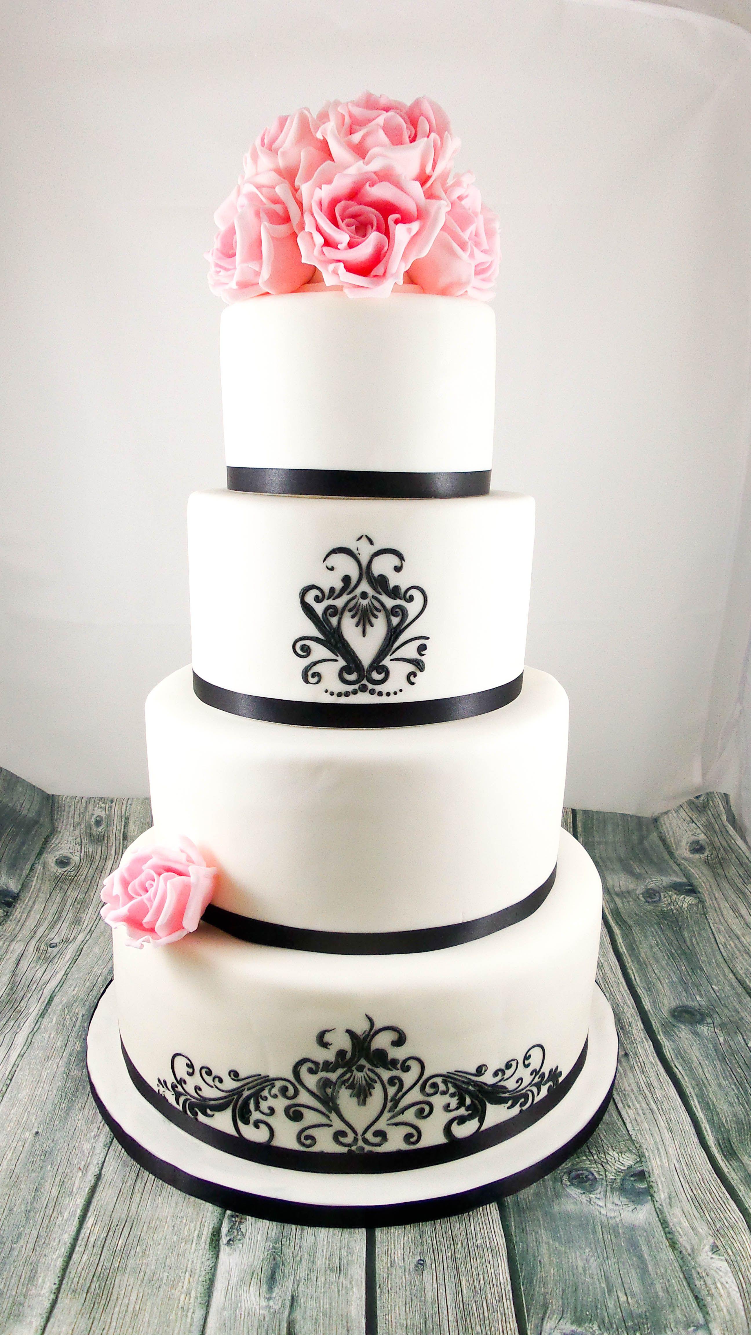Hochzeitstorte Elegant In Schwarz Weiss Wedding Cake Pinterest