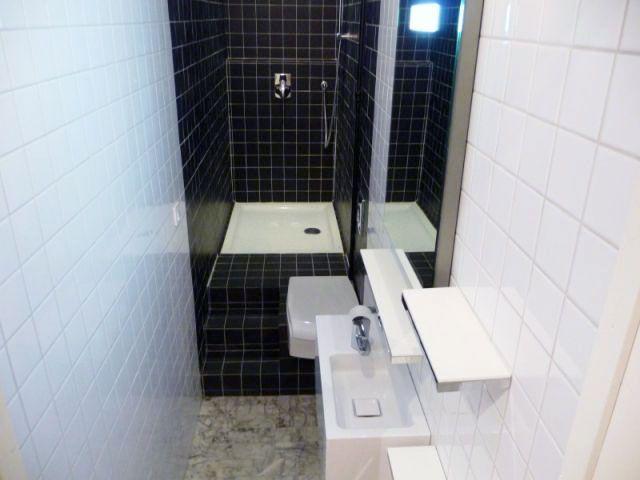 Une vraie salle de bains am nag e dans 3m2 salle de bains salle et expressions for Petite salle de bain en longueur