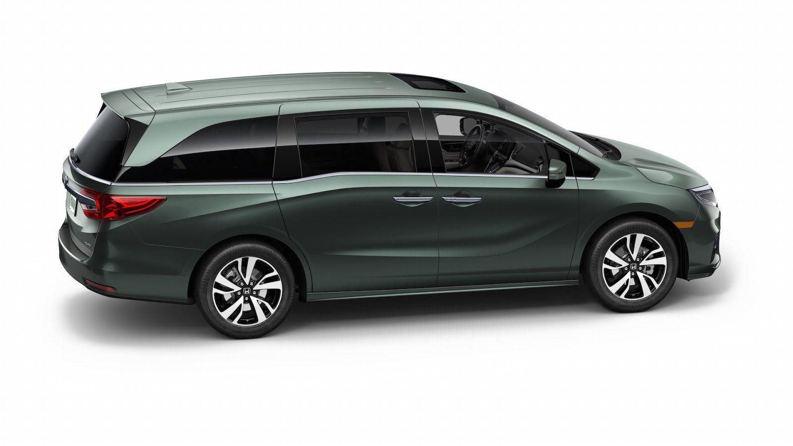 Honda s all new 2018 odyssey minivan arrives in detroit