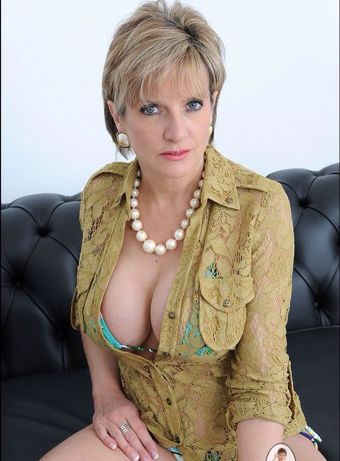 Milf cruiser blonde older