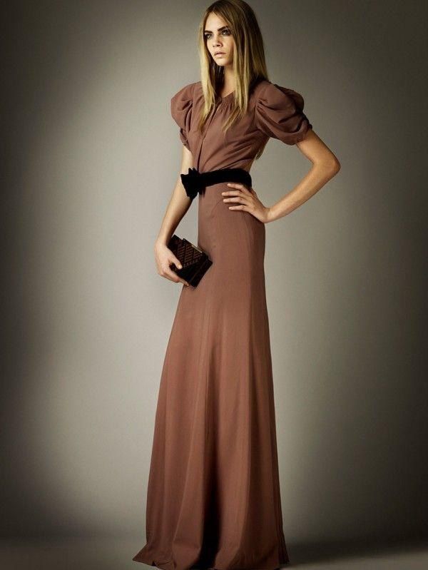9892c3ad67 Burberry Prorsum  Pre Fall 2012 vestido de noche marrón tierra ...