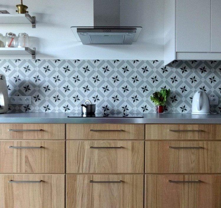 Edelstahl Arbeitsplatte, Holzfronten und Fliesenspiegel Küche - Arbeitsplatte Küche Edelstahl
