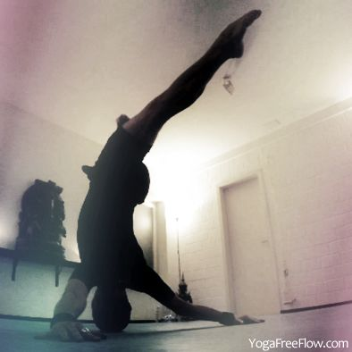 """4th headstand one leg strike"" asanas yoga yogafreeflow"
