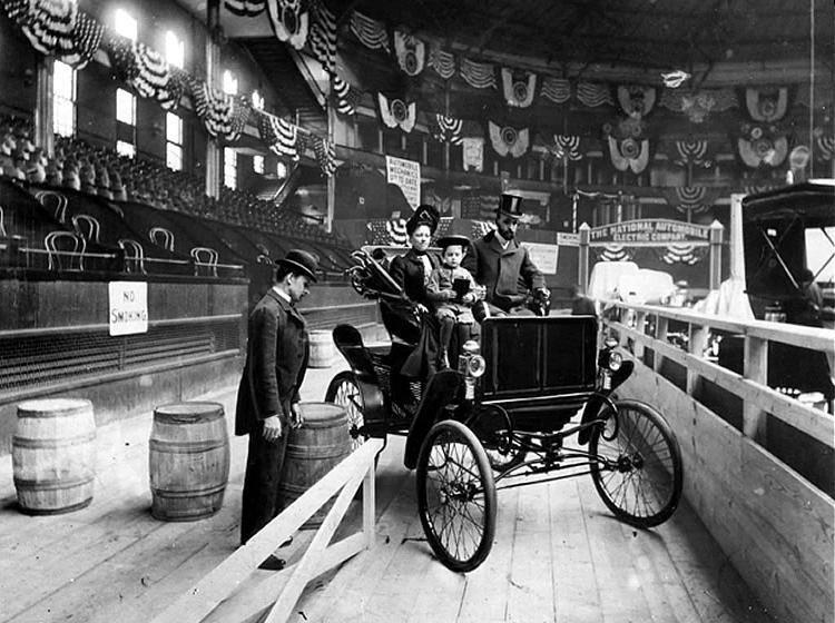 le salon de l 39 automobile new york auto show en 1900 les automobile en g n ral pinterest. Black Bedroom Furniture Sets. Home Design Ideas