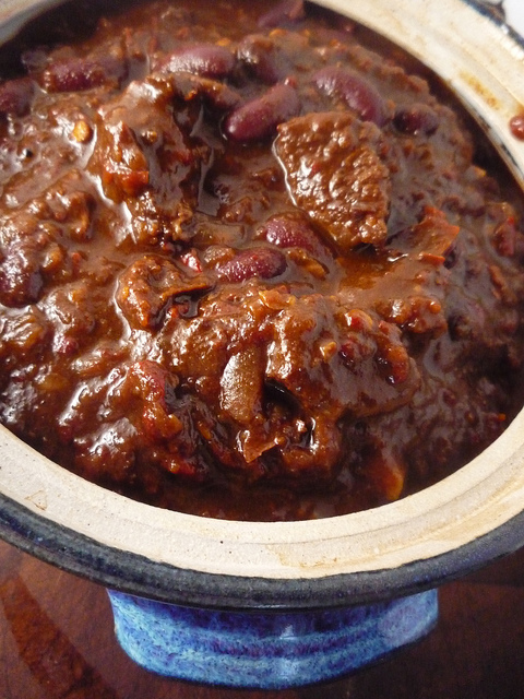 Super Chilli Con Carne - I want to try this with a sausage other than blood sausage....does anyone know if that's 150F or 150C?