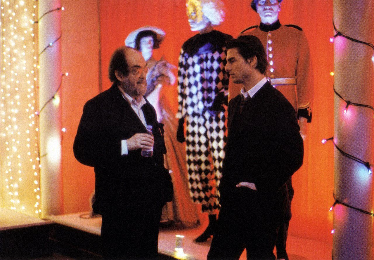 Stanley Kubrick with Tom Cruise - 'Eyes Wide Shut' | Photography ...