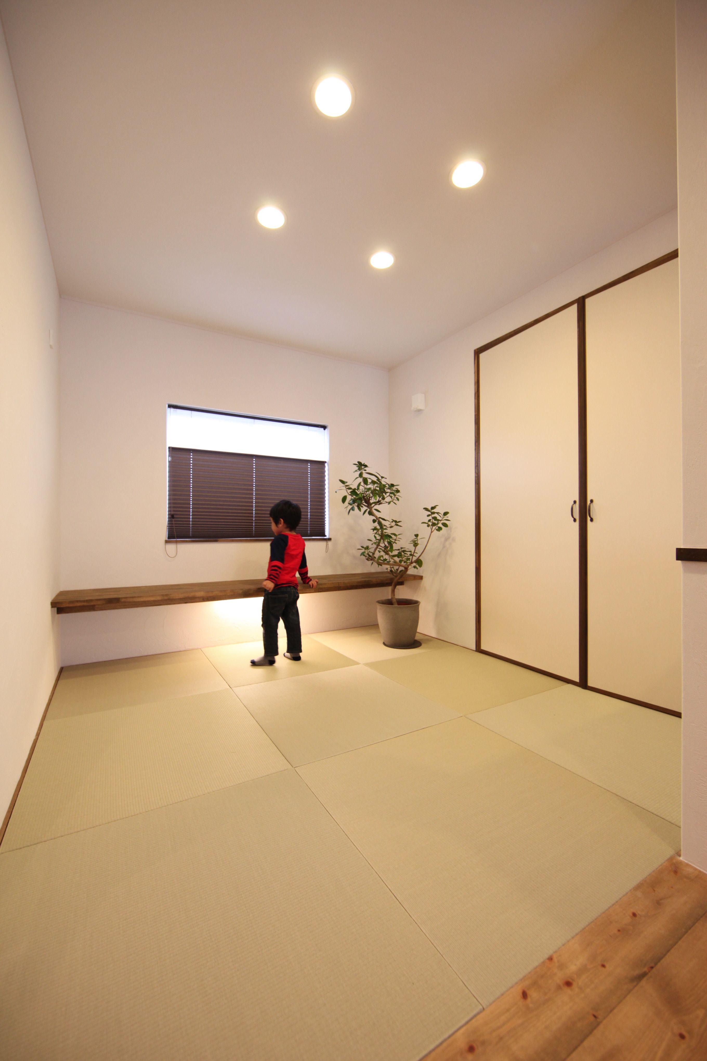 和室の飾り棚下に仕込んだ間接照明 ナチュラルモダン 和室 ゼスト
