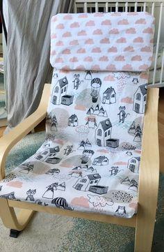 Ikea Poäng Kindersessel Bezug mit rosa Wolken #Bezug #DIY #diy baby blanket #di…