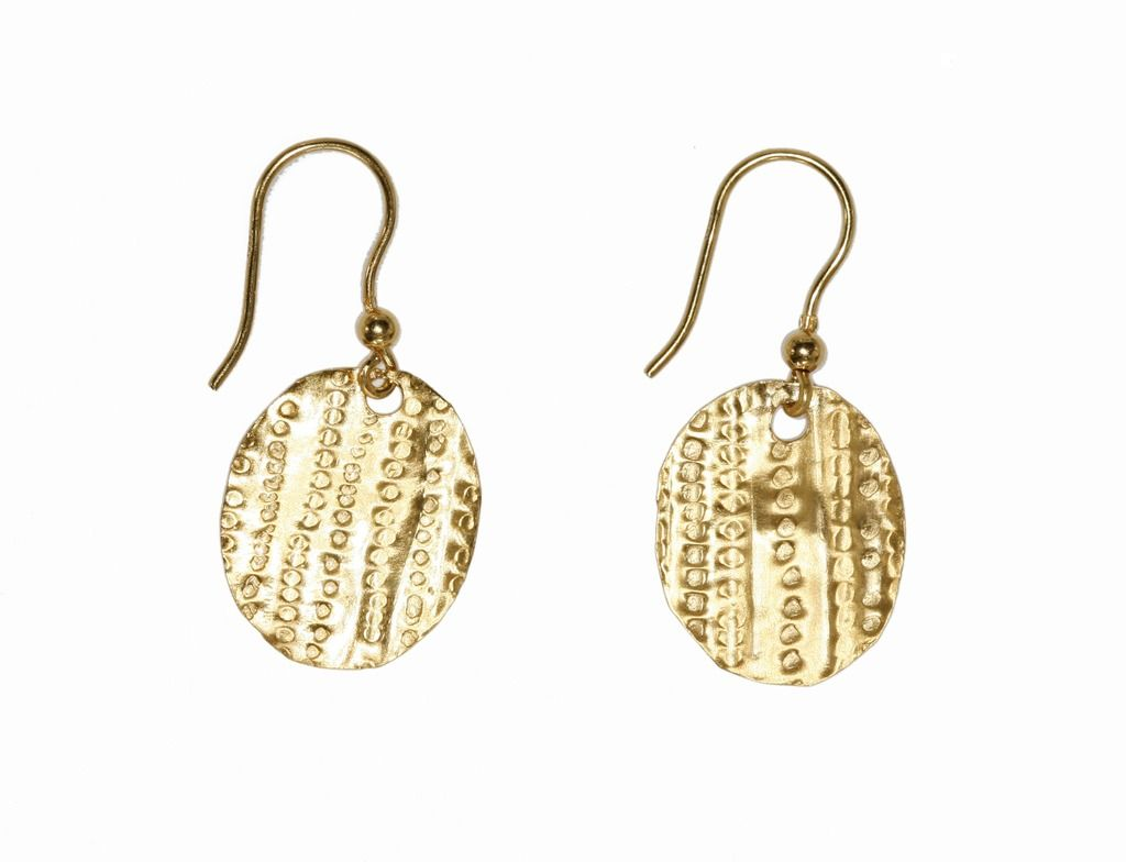 Single Petal Earring Gold Plated from Vinnie Day