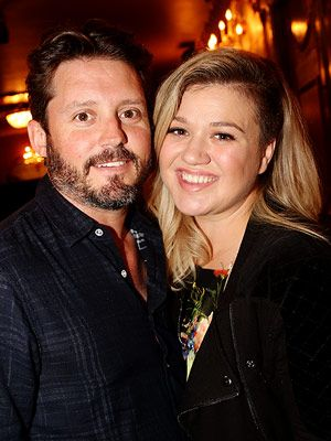 Kelly Clarkson Pregnant Expecting Son Welcome Baby Boys Celebrities