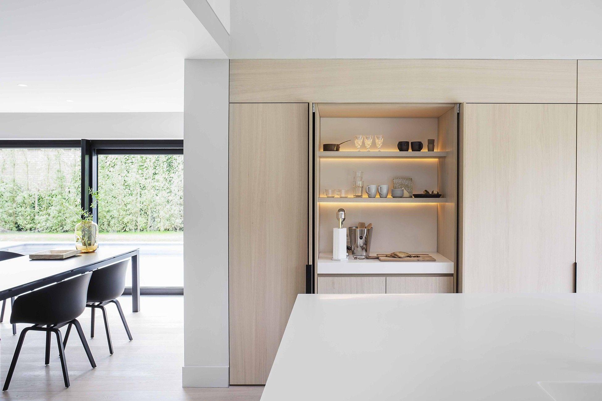Moderne lichte keuken houten keuken licht werkblad stalen