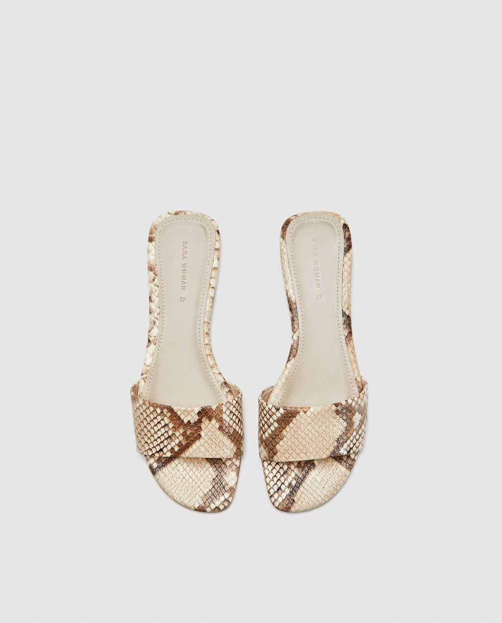 c52127588c0524 Image 5 of SNAKESKIN PRINT LEATHER SLIDES from Zara