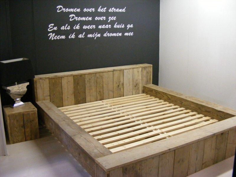 tweepersoonsbed steigerhout blok bed met verhoogd hoofdeind