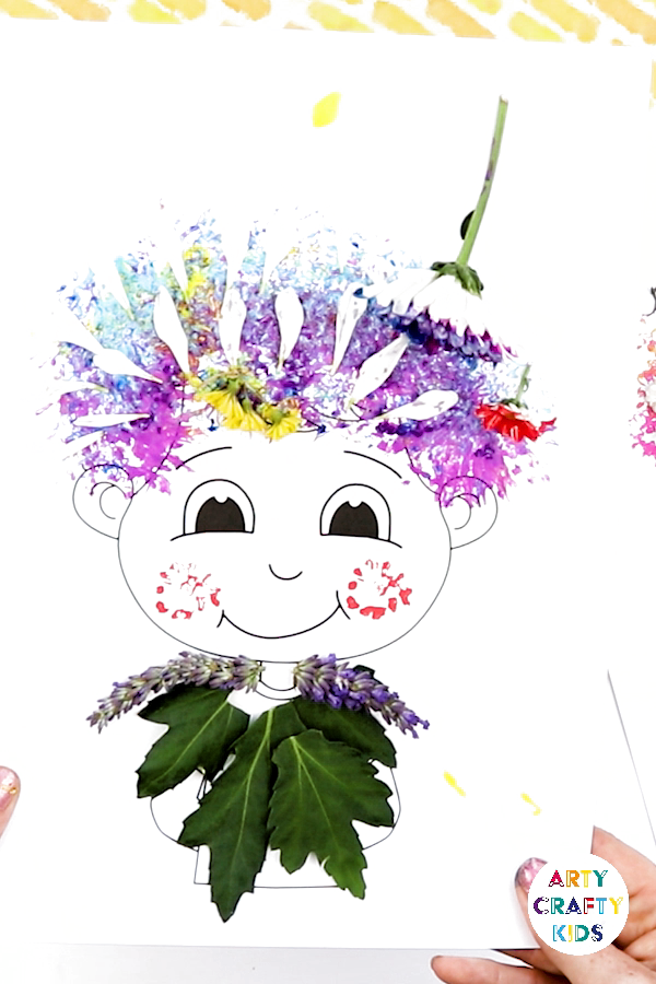 Use flowers to create colourful hair-dos. A fun and engaging art project for kids that explores printing with flowers and natural materials. A great craft for toddlers, preschoolers and EYFS #artycrafykids #naturecraft #craftsforkids