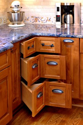 Don T Let Corner Spaces Go To Waste Jeane Kitchen And