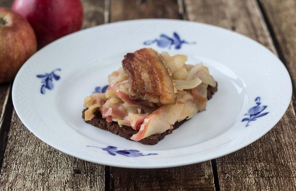 Danish apple pork bleflsk recipe pork apples and danish food danish apple pork bleflsk forumfinder Gallery