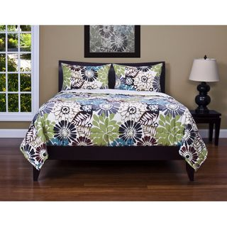 Overstock This Bold Quilted Comforter Includes Two Matching Shams 100 Percent Polyester The