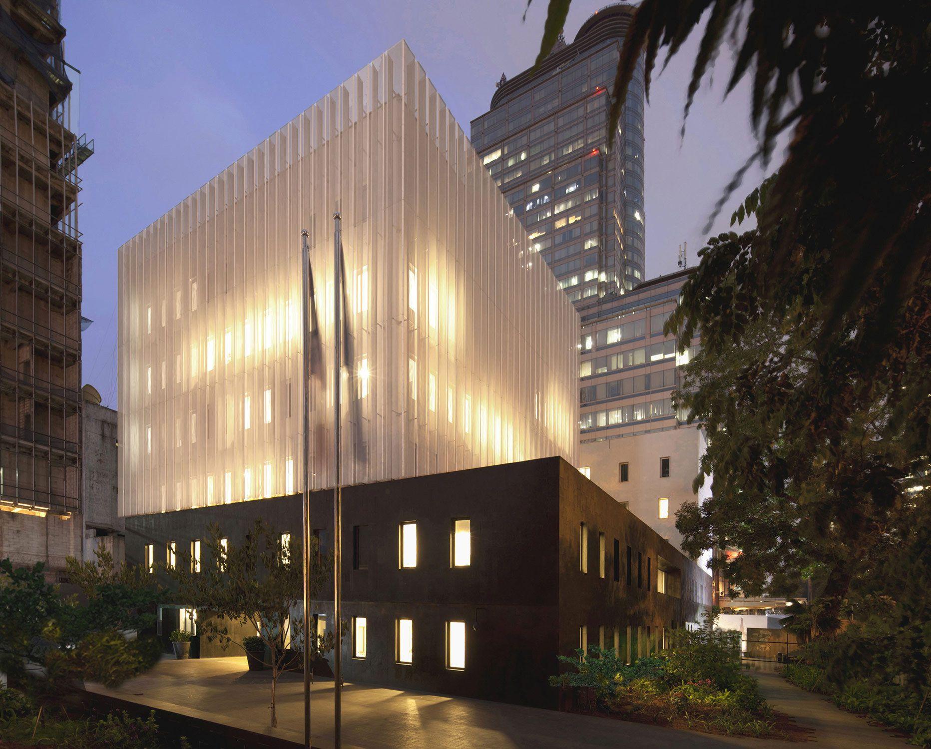 Leicht und schwer Französische Botschaft in Jakarta