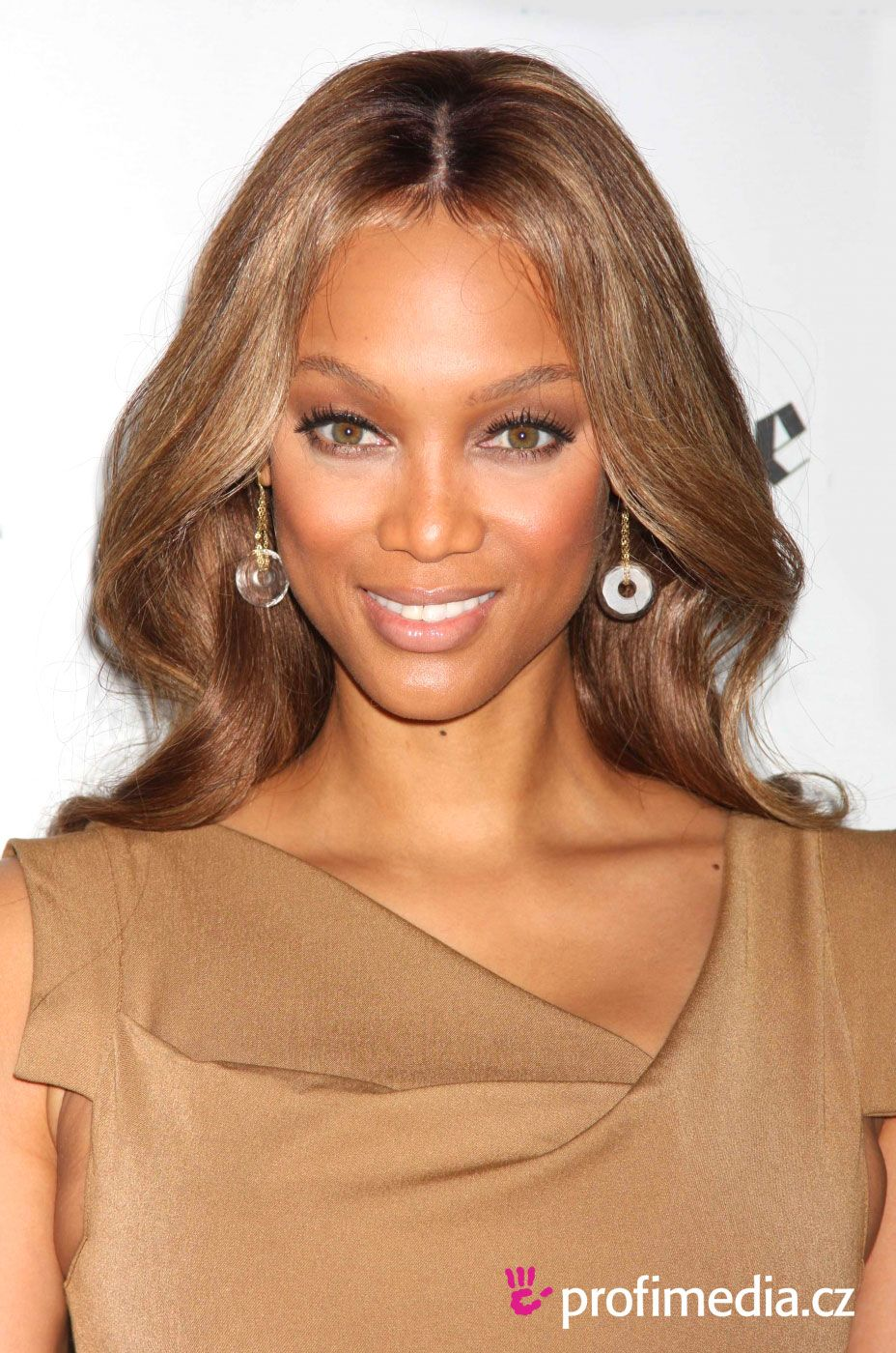 Tyra Banks Hairstyles Simple Hairstyle Ideas For Women