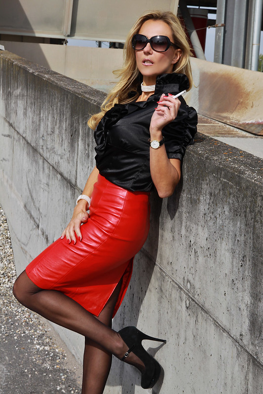 Comtesse-monique Leather Leather