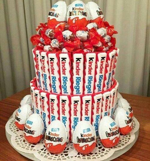 Imagen de cake and kinder cakes pinterest g teau bonbon grand maman et bonbon - Gateau deco kinder ...