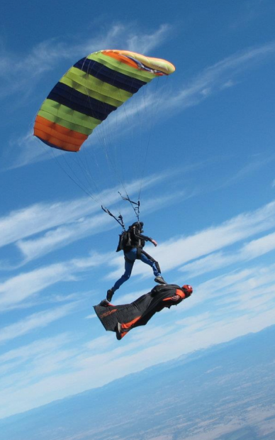 Amazing View Fly Alongside These Wingsuit Pilots Extreme Sports Paragliding Skydiving