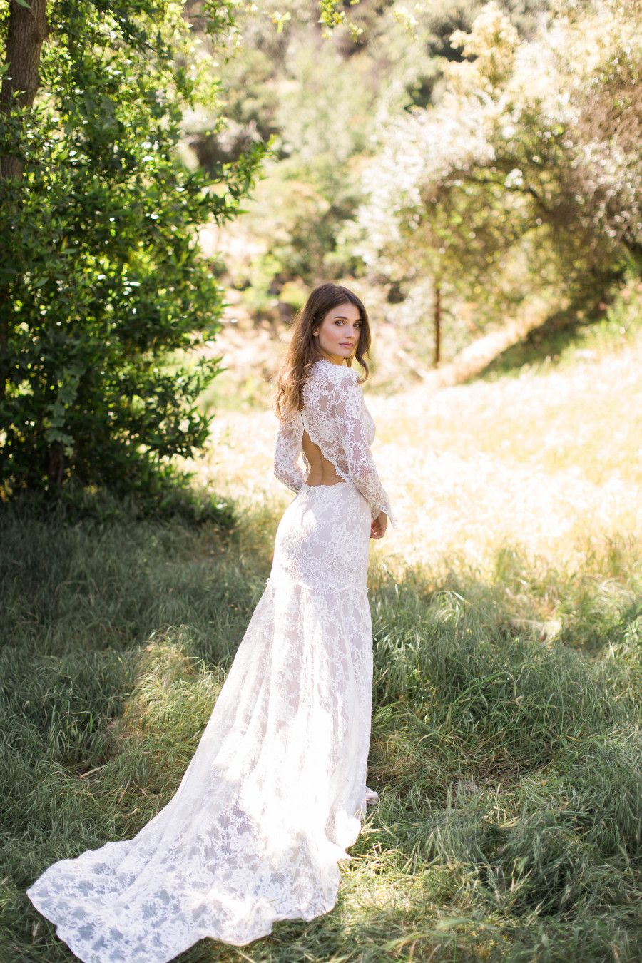 Calling All The Cool Brides Long Sleeve Wedding Gowns Claire Pettibone Wedding Dress Wedding Dress Photography