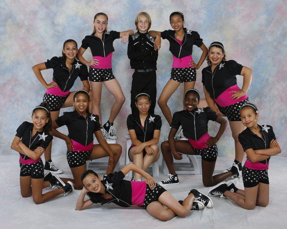 Позы для фотографии танцевальным коллективом события