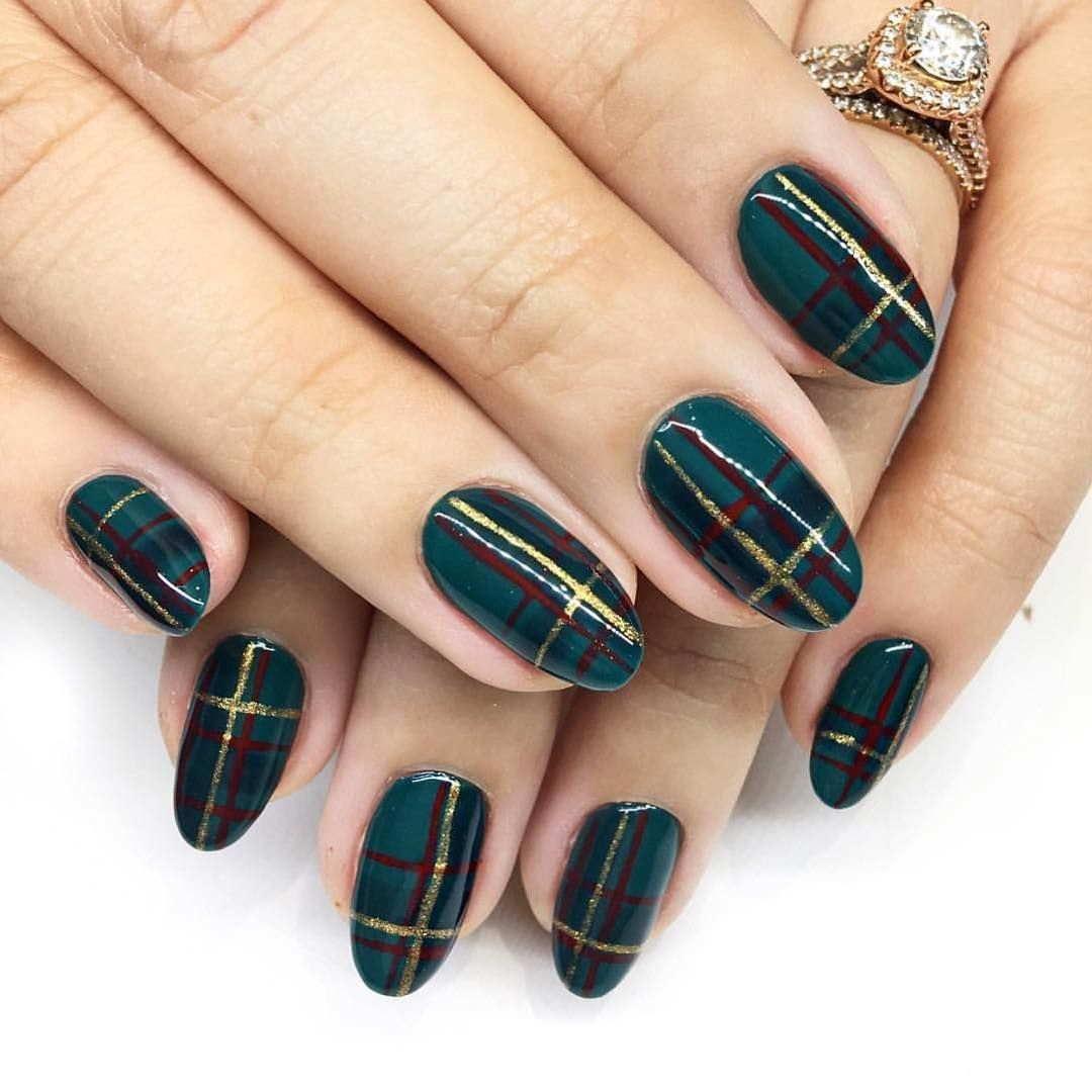 Jessica Christmas Nails: 32 Holiday Nail Art Ideas To Get You Into The Christmas