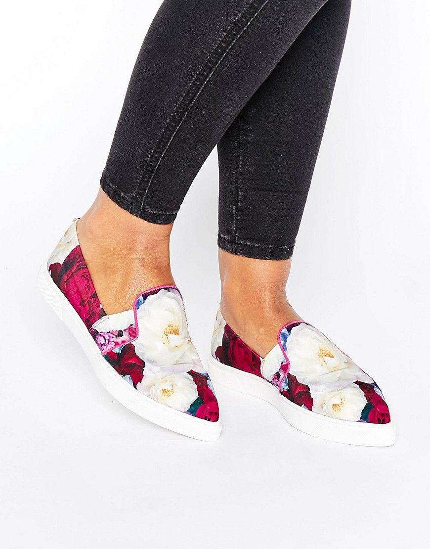 Zapatillas de lona sin cierres con estampado de flores rosadas Thfia de Ted Baker Ted Baker A2PpH621