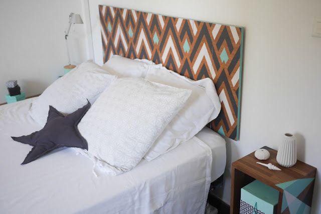 DIY Do it yourself brico déco Tête de lit graphique bois peint - peindre un lit en bois