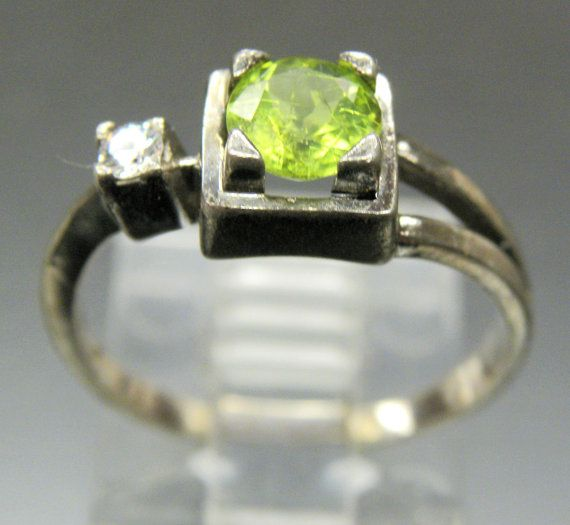 Vintage Sterling Silver Peridot Box Ring Size 7 by MWjewelrydesign, $75.00