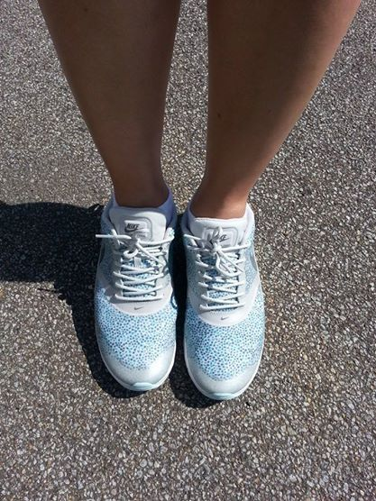 super popular 46dd8 8b8c8 Nike Air max Thea in turquoise grey with a gray and blue polka dot pattern.  Luvvv the well-equipped sole with visible air pad
