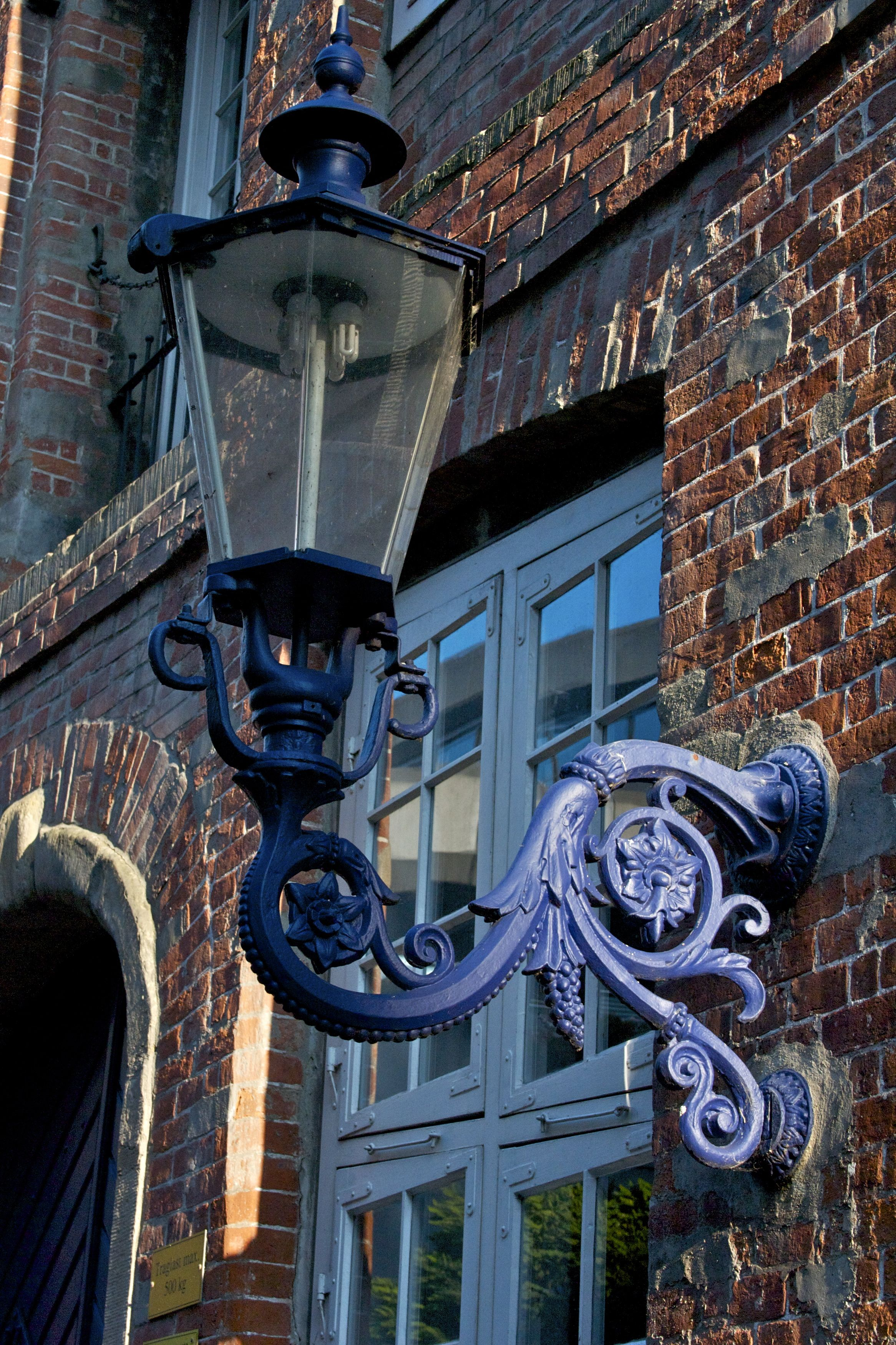 astonishing unique street lighting | old street lamp in new color | Street lamp, Old lanterns ...