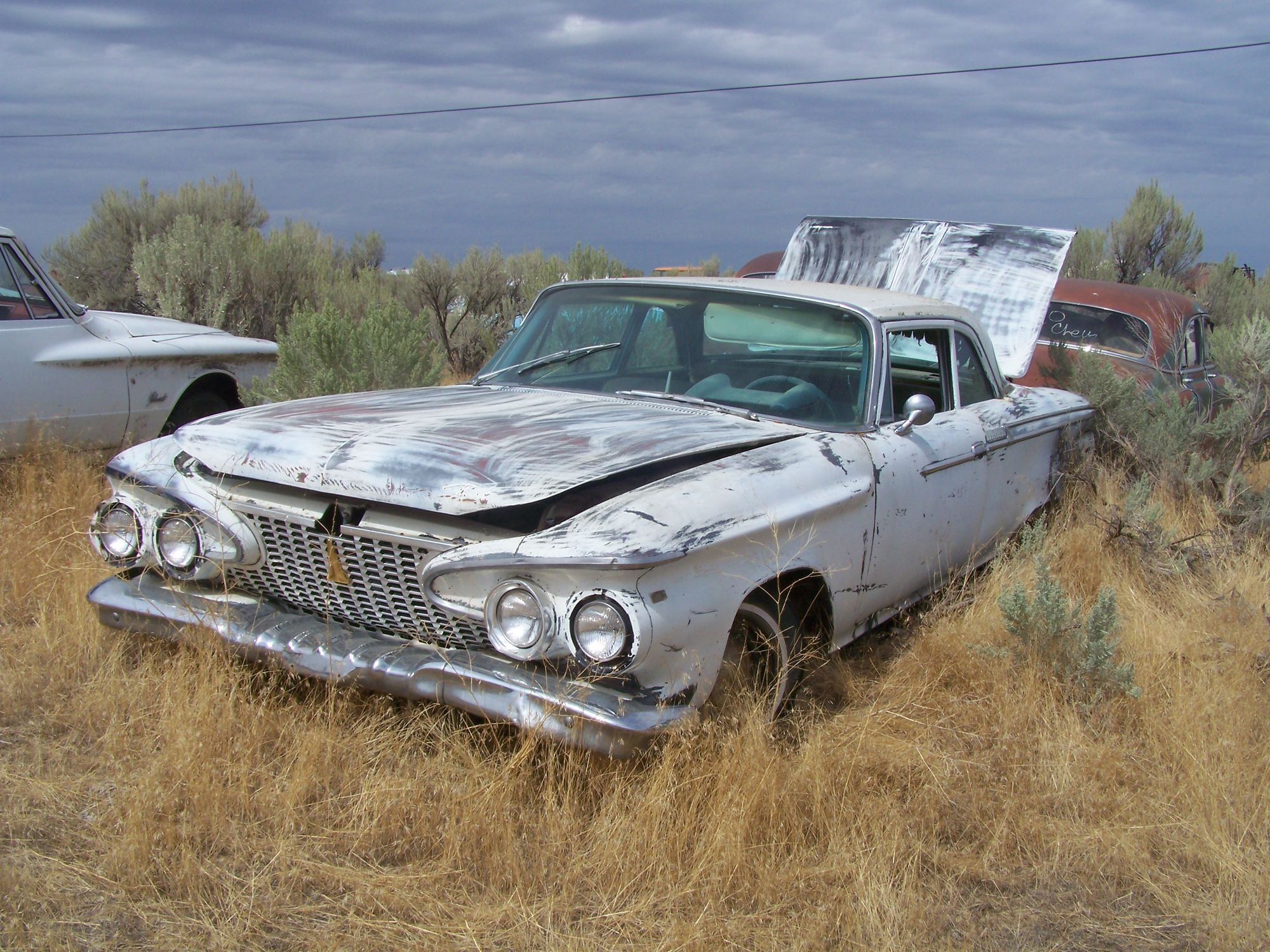 Junkyard tours – 8,000 cars revisited | Barn finds, Cars and Plymouth