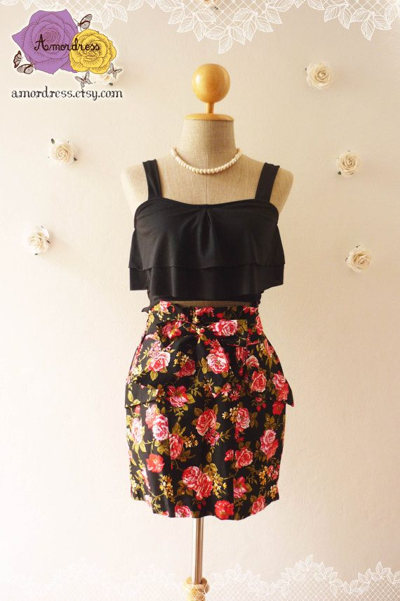 """Pretty Skirt Black with Red Rose Floral Skirt with Waist Bow -Free size fit 27""""-30"""" waist"""