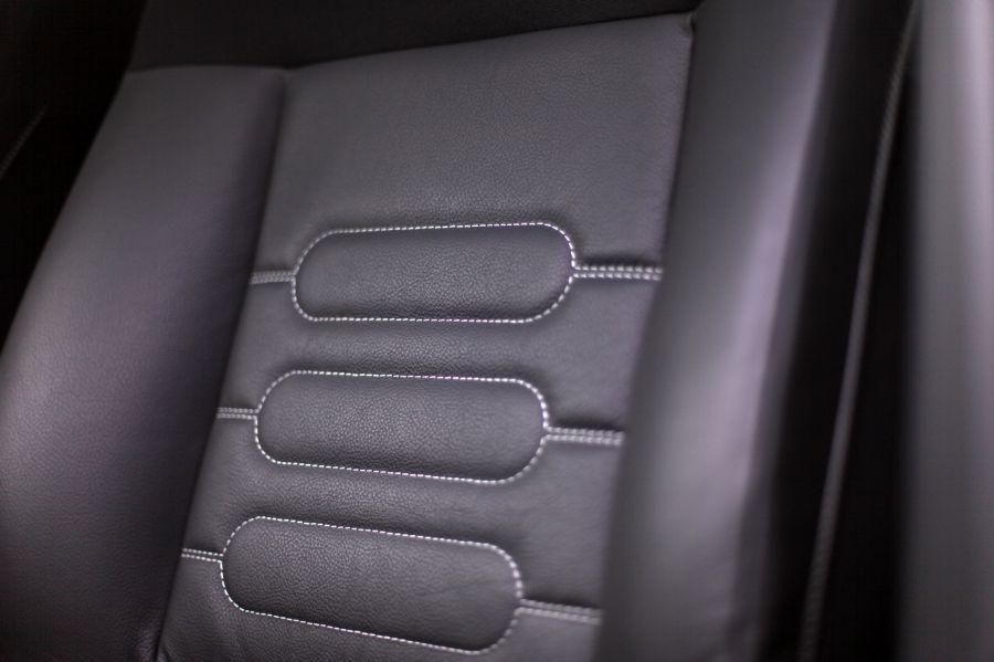 Auto Ledersitze Pflegen Mit Bildern Leder Pflegen