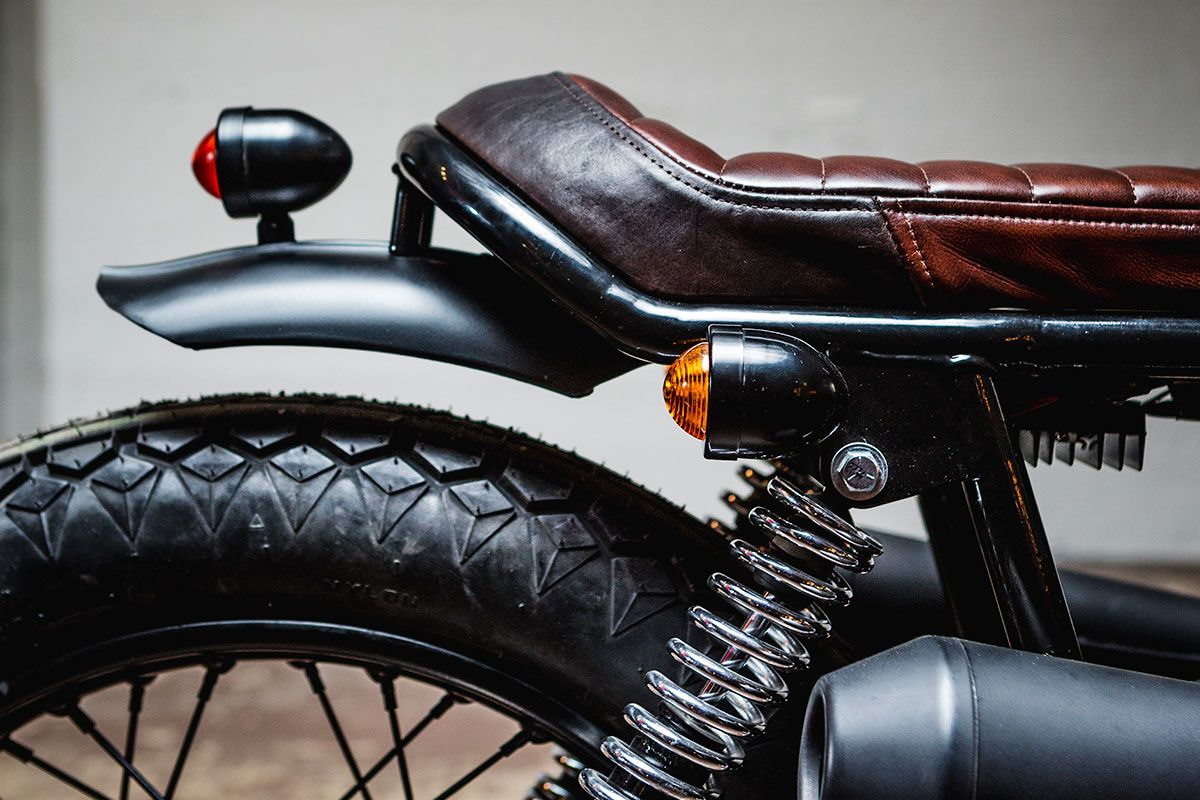 Norton Commando 850 Tracker Brat Motorcycle Cafe Racer Seat Cafe Racer Bikes
