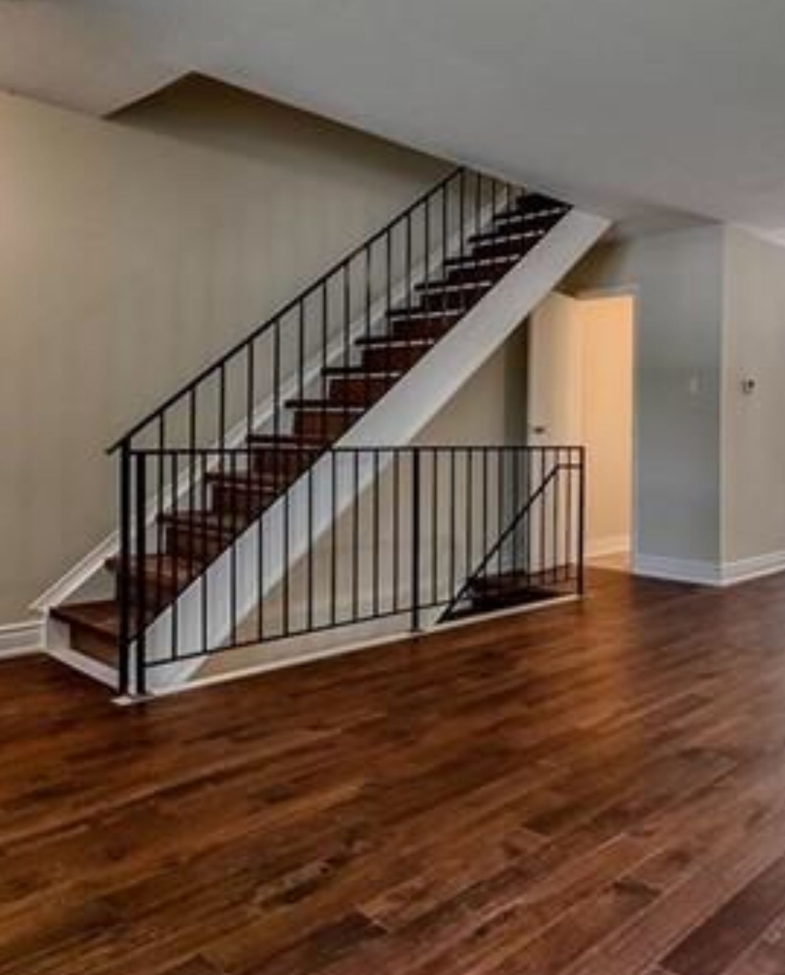 Best Pin By Lorena U On Cape Cod Center Stairs Remodel Ideas 400 x 300